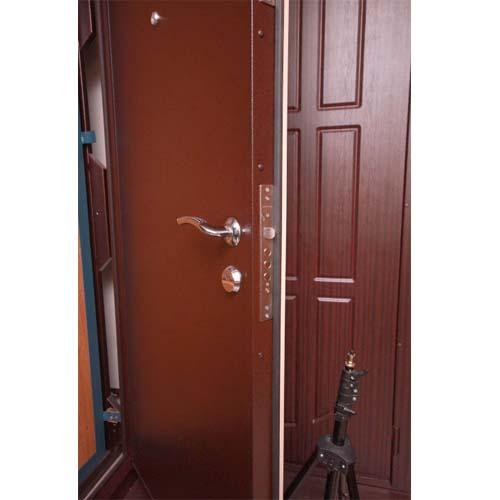 входные двери распашные на дачу